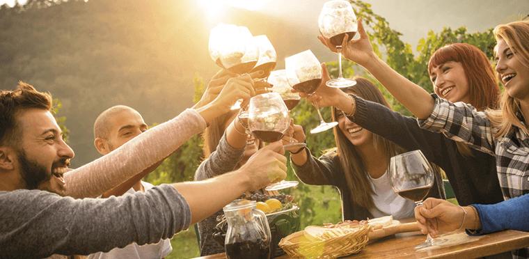 ¿Cómo organizar tu propia cata de vino?