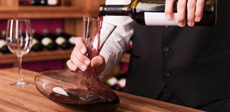La oxigenación y el uso del decantador en el vino.